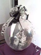 Подарък в балон